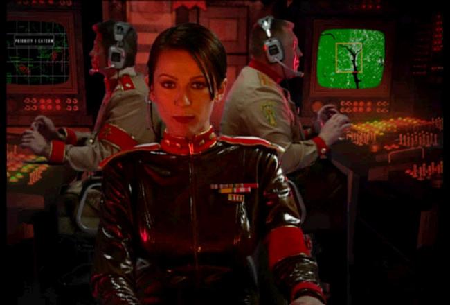 Aleksandra in Command & Conquer: Yuri's Revenge